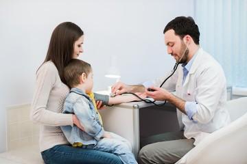 ТТГ норма у детей: таблица по возрасту, симптомы и коррекция отклонений